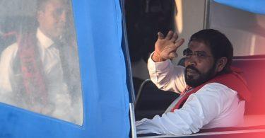 JP leader Qasim Ibrahim being taken back to Dhoonidhoo where he is kept in Police custody