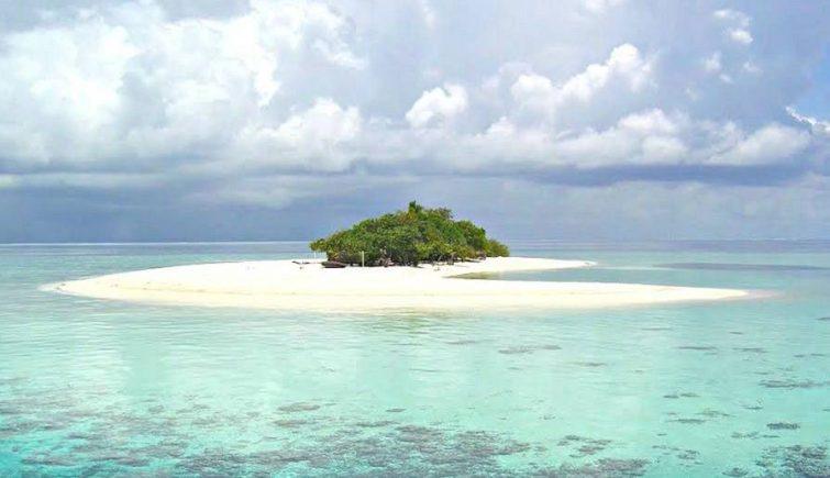 uninhabited island in vaavu atoll