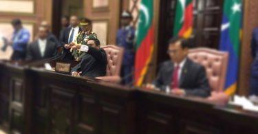 Yameen thumbs down at Parliament