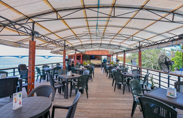 An empty café in Malé